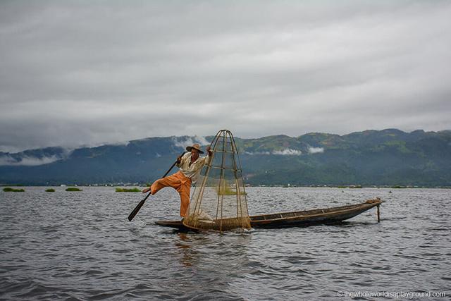 Myanmar lake-fisherman